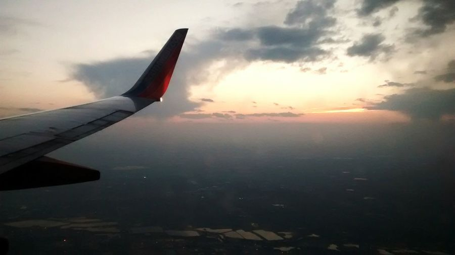 Sunset @ 30k above sea level. Taking Photos AirPlane ✈ Air Plan Window