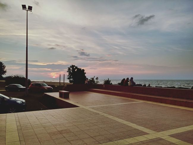 Deceptively Simple sunset edge by lg g3 on hdr (raw_untouch) @billionth barrel monument, sr