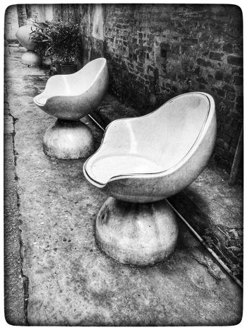 China Photos China Street Photography Black And White Shades Of Grey Street Furniture Abandoned Furniture 佛山