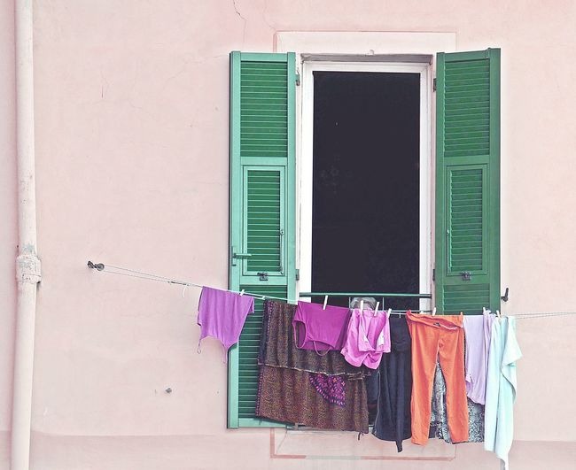 Some places have souls - that's why I love them, especially this one ... 👚👙👖👗 Wall Facade Detail Shutter Architecture Façade Multi Colored Cityscape Urbanphotography Travel Destinations Travel PanniStesi Laundry Taking Photos Still Life Minimalism Tranquility Neighborhood VSCO Wanderlust Exploring Storytelling Streetphotography Eye4photography  Enjoying Life Lifestyles Scenics Hanging Clothesline Building Exterior Built Structure