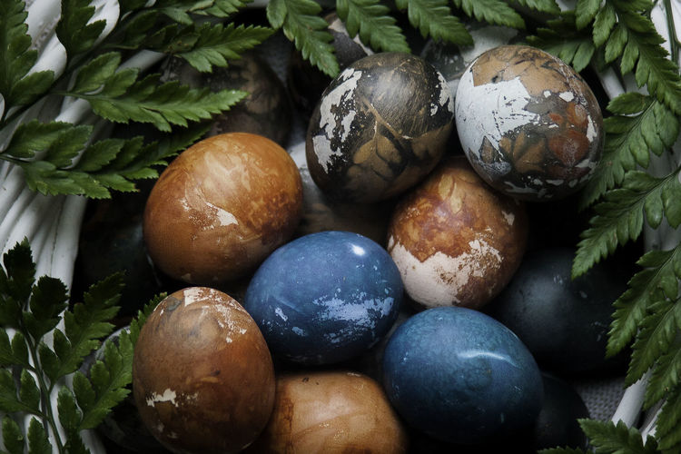 Easter Easter Ready Natural Natural Egg Close-up Diy Easter Easter Easter Egg Egg Food Food And Drink Freshness Fruit Green Color Healthy Eating High Angle View Holiday Indoors  Leaf Nature No People Plant Plant Part Still Life Wellbeing