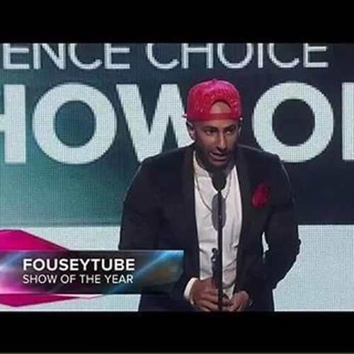 !So proud of you bruh bruh! Streamys FouseyTube Showoftheyear Doseoffousey Dof Bruhbruh Greenteaisgreenteaifitsjustgreentea Muffin Greentea Dollar GrindDontStop Streamys2015 Streamyawards Lawyer Motivation Vh1 Inspire Youtube Bruhbruhs Congratsfousey Dofbruhbruh DOPE Teamfousey Morningswithfousey Design fousey doffam lionsstayroaring fouseyforpresident2020