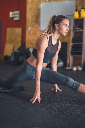 Athlete Athletic Determination Exercising Motivation Active Lifestyle  Cross Training Crossfit Energy Exercising Fitness Fitnessmodel Healthy Lifestyle Lifestyles One Person Real People Sport Sport Clothing Sports Clothing Stretching Weightlifting Wellbeing Workout Young Woman Young Women