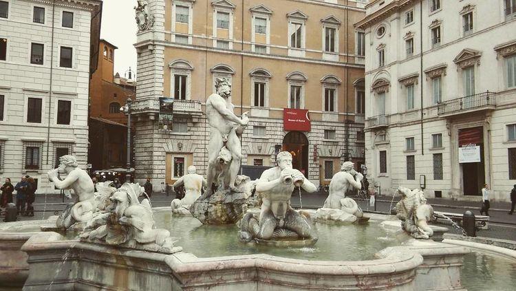 Fontana Del Moro Italy PiazzaNavona Roma The Tourist Showcase: February Smartphonephotography