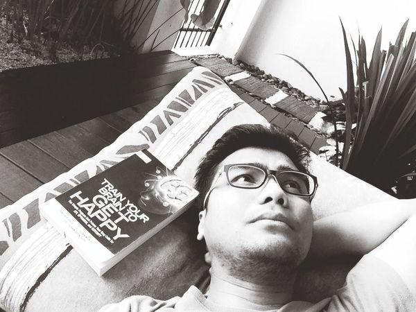 quite saturday so far .. me, book & coffee...