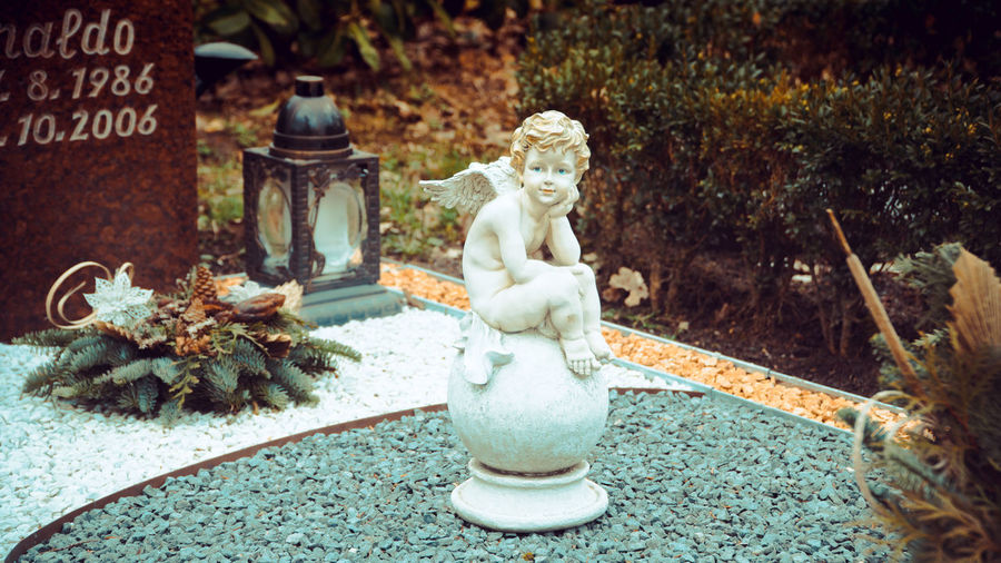 Cemetery Loneliness Rest In Peace ❤ Rip Grave Sculpted Human Representation Carving - Craft Product Figurine  Angel Art