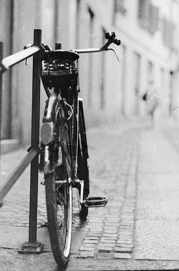 Taking Photos Streetphotography Photography Taking Pictures EyeEm Gallery Street Photography Blackandwhite Black And White Monochrome 35mm Film Film Filmisnotdead EyeEm Bicycle Alley Urban Selective Focus Depth Of Field Blurredbackground Streetphoto_bw Black & White Black&white