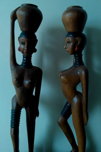 I don't actually know the culture that these are based on. x Wood Carving Natural Beauty Mobile Photography Statues Tribal Women Naked Beautiful Natural Nature Freedom