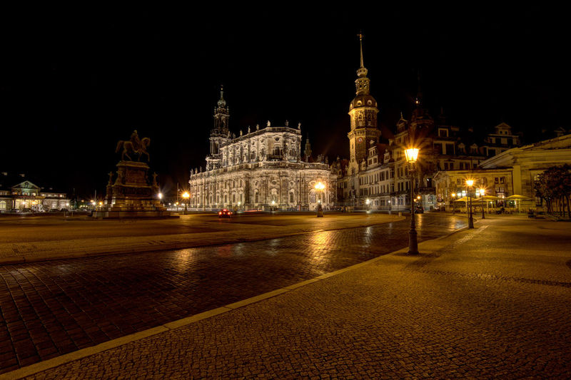City view of Dresden Catedral Cathedral Of The Holy Trinity Catholic Church Of The Royal Court Of Saxony Church Dresden Dresden Cathedral Travel Architecture Belief Building Building Exterior Built Structure Church Architecture City City View  Dresden Altstadt History History Architecture History Place Illuminated Night No People Old Outdoors Place Of Worship Religion Sky Spire  Spirituality Street The Past Tourism Travel Travel Destinations