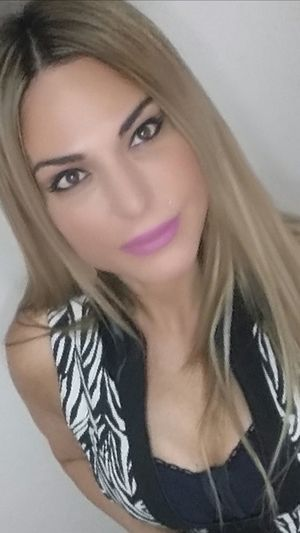 To inspire other's 💖 Checkout my website at... http://anastasiaverkos.com Hello World That's Me Selfieoftheday Inspire And Be Inspired✨ Lovelife Fitlife Healthyliving Beautiful Girl Beautiful Eyes Gorgeous