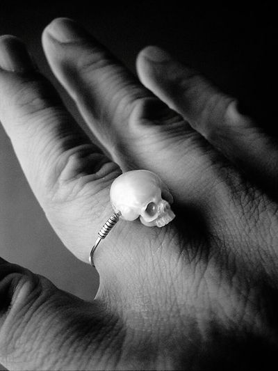 Live To Learn Ghostly Darkness And Light Skulll Hand Buffalo Soldier Rings♥