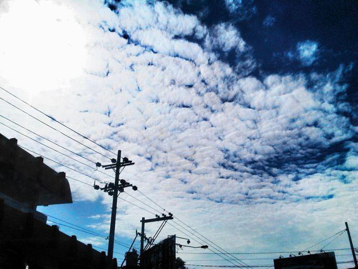 andai saja birunya slalu menghadirkan ketenangan.... hingga mendung dan hujan enggan melintas... #kangen km yg dulu Sky Sky_collection
