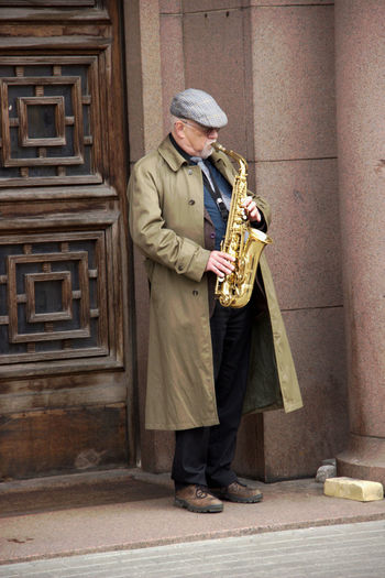 Lifestyles Men Music Musiker Real People Saxophonist Standing Streetmusic Full In Action