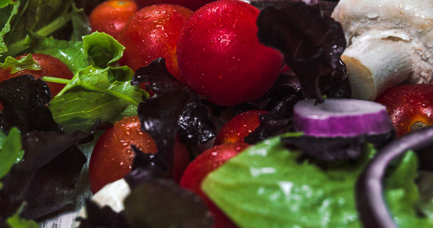 Cherry Salad Vegetarian Food Close-up Cutting Board Drop Drops Of Water Food Food And Drink Freshness Healthy Eating Indoors  Mushroom No People Onion Sports Still Life Summer Tomatoes Vegan Vegetable Weightloss Wellbeing