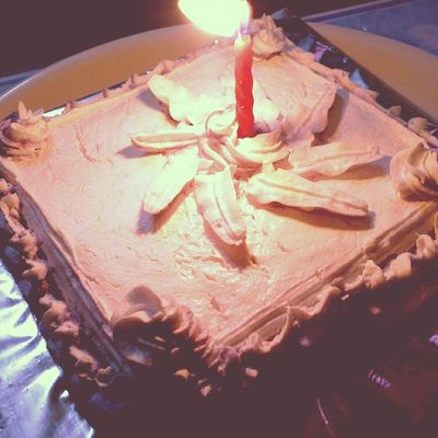 Cake Vanilla_cake Birthdaycake Candle Yummmyy Delicious Love_you_mom_dad 💕💕💕👸