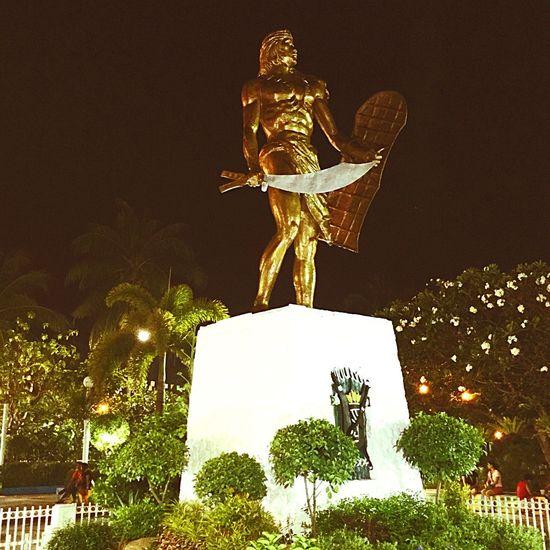 Lapu-lapu Philippines Evening Sky Shadows Everyday Emotion Emotions Of The Eyes Cebu Philippines Statue