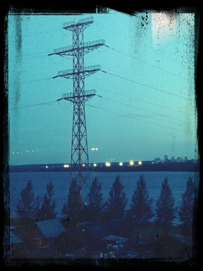 This Radio Tower reminds me about 65daysofstatic - Drove Through Ghosts to Get Here.