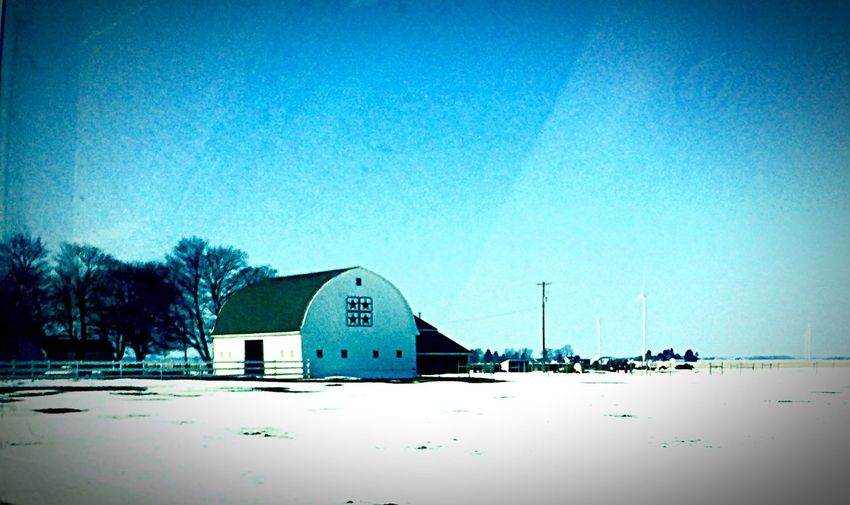 On our way to the doctor, we pass some old barns. Some are well maintained & others are not. As you can see, this one is taken care of. Oldbuilding Barns Snow❄ Rural America No People , WINTER Building Photography Country Landscapes
