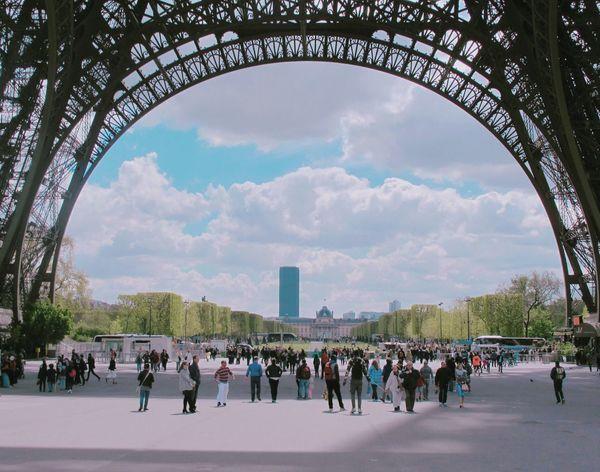 Eiffel Tower Paris Sunny Day Travel Bonjour パリ 🎈🎈🎈