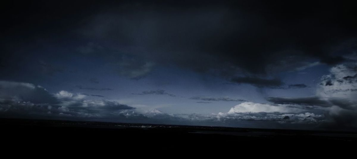 Getting dark Sky Landscape Landscape_photography Clouds Clouds And Sky Gettingdark Dramatic Sky