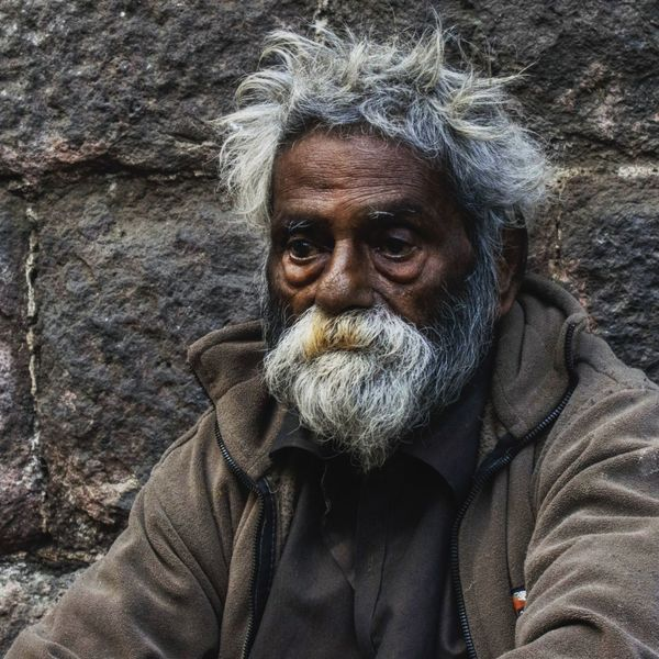While finding him d best suited face for street potrait i realized how depth is so different in studio n real life.. Streetphotography Street Photography Street Portrait Human Face Looking At Camera Close-up Beard Streetpotrait EyeEmNewHere The Street Photographer - 2017 EyeEm Awards The Portraitist - 2017 EyeEm Awards