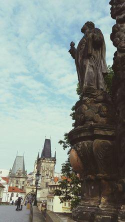 Praha Streetphotography Sculptures Charlesbridge Bridge Oldtown Old Buildings Oldtown Oldcity Castle