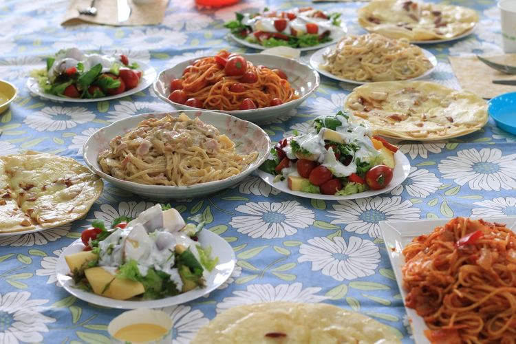 Abundance Festival Season Close-up Composition Eating Enjoying Life Everyday Joy Food Foodporn Freshness Handmade Healthy Eating Lunch Party Plate Ready-to-eat Still Life Yummy Snapshots Of Life Tailored To You People Together Home Is Where The Art Is Handmade For You Lieblingsteil Be. Ready. Food Stories
