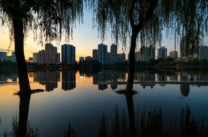 Cityscapes in Wuhan, China Walking Around Urban Hello World Check This Out Landscape multiple layers Reflection Sunset My Commute