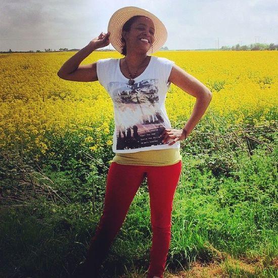 Stratforduponavon Bikeride Fields Farmland Yellow Green Red PicOfMe GoodTimes Healingexercise Sunnyday Spring Spring2014