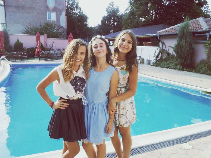 Girls Happy Crazy Moments Love