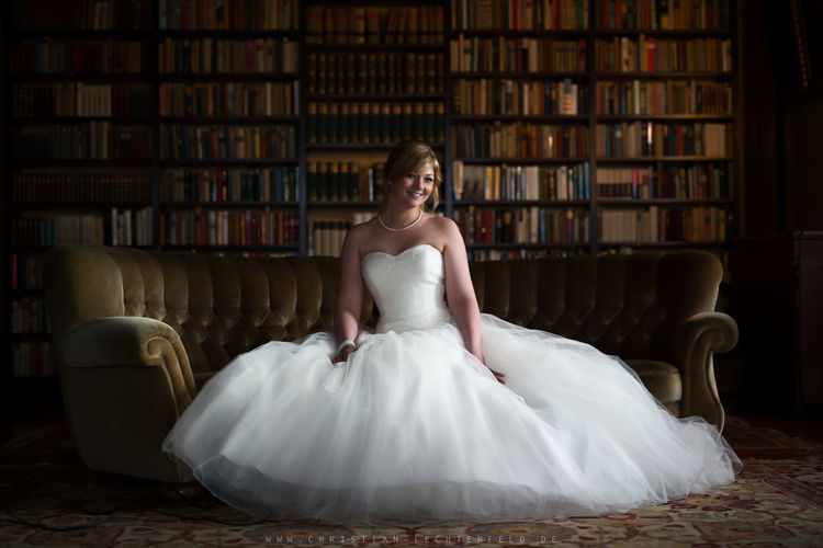 Bride Books Couch EyeEm Selects EyeEm Gallery Wedding Wedding Photography Woman Woman Power Women Who Inspire You Bride First Eyeem Photo Front View Furniture Girl Girls Happiness Portrait Smiling Woman Of EyeEm Woman Portrait Woman Who Inspire You Women women around the world Women Of EyeEm Womensfashion EyeEmNewHere