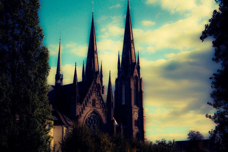 #Dusk #Paul Kalkbrenner #Straßbourg #church #reformed #saint-Patrick #sky Architecture