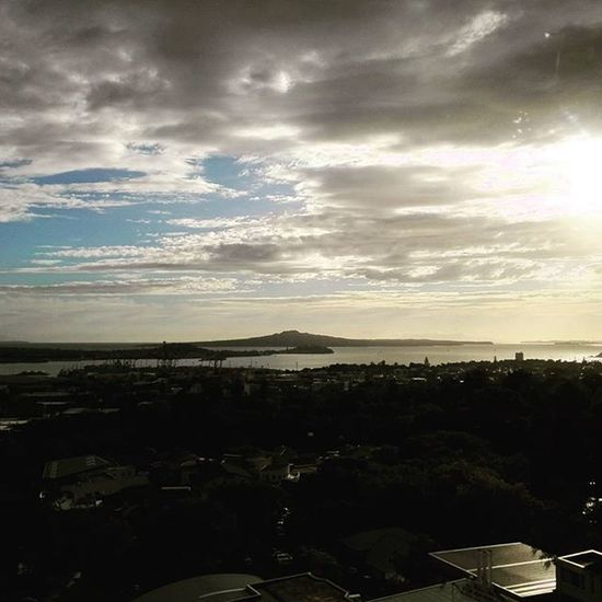 Not a bad view from the hospital this morning. Sun Sunrise Morning View Rangitoto Ocean Clouds Auckland City Beautiful Sky