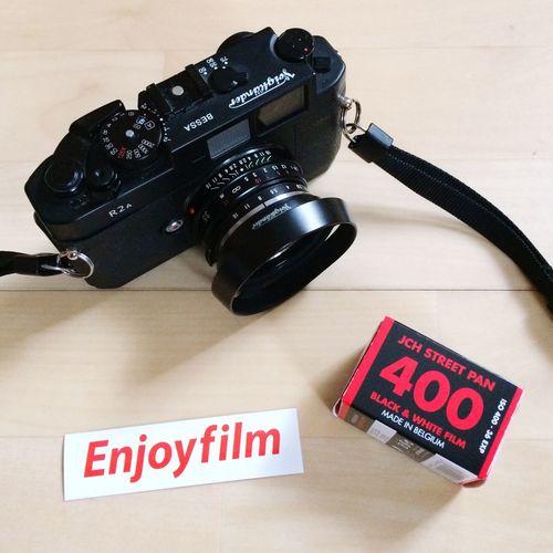 New film for my Bessa R2A. Film Photography Analog Ishootfilm Filmisnotdead Ishootfilm Voigtländer Nokton 35mm F1.4 BessaR2A Jchsp400 Technology Photographic Equipment
