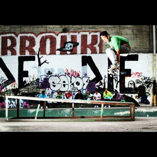 El meu novo amiginho Felipe! @felivl Skateboarding Mungia Euskadi Skateboardshoots travels photographer shooting freestyle enjoy friends homies goodtimes