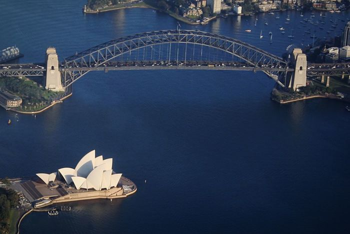 • The view from my airplane window • Sydney's two famous icon from a different perspective 🙌 Highlights From Aerial Shot Sydney Opera House Sydney Australia Sydney Community The Traveler - 2015 EyeEm Awards SydneyHarbourBridge Sydneylocal Looking Out Of The Window Open Edit