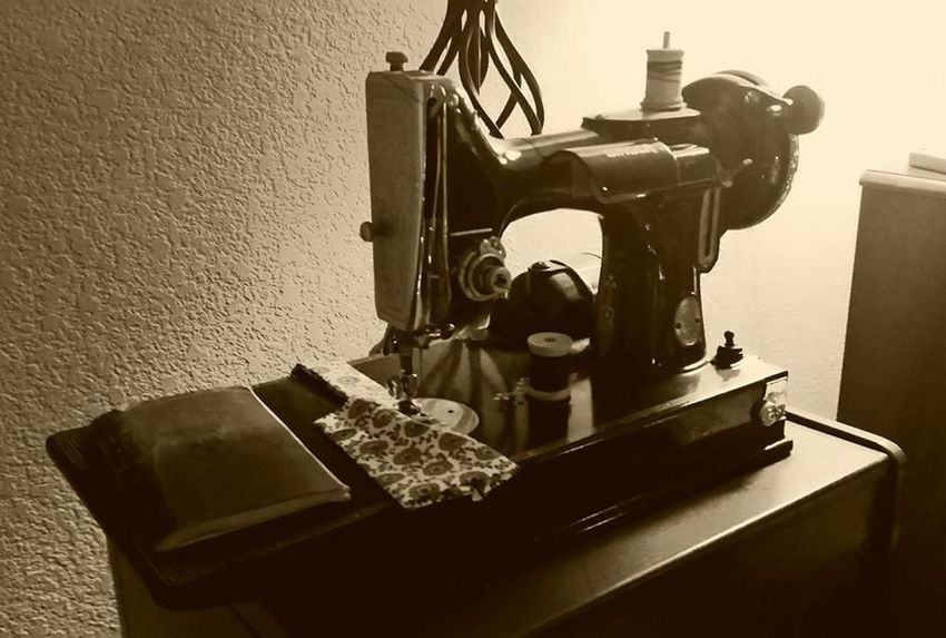 1930s Cloth Clothing Nostalgic  Sewing Sewing Machine Singer Sewing Machine Technology