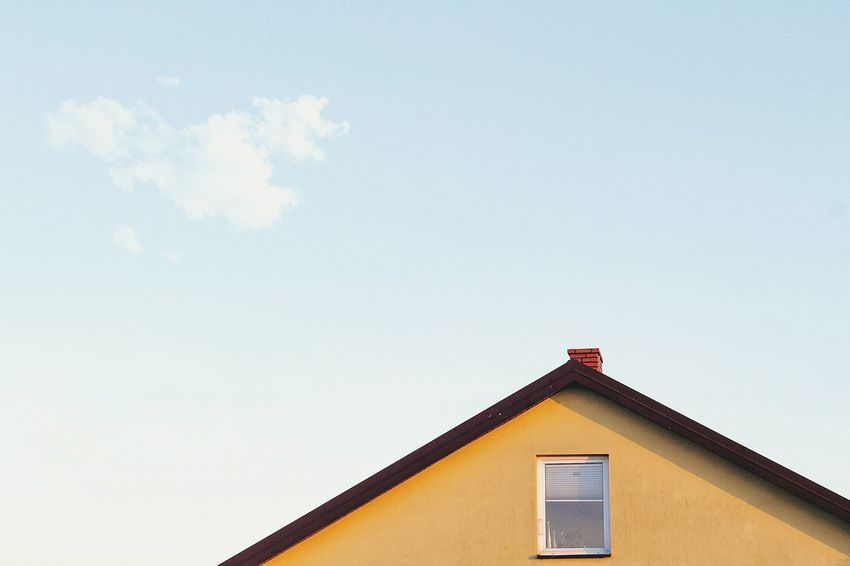 Building Exterior Built Structure Architecture No People Sky Low Angle View Cloud - Sky Outdoors Day Roof Nature Minimalism EyeEm Best Shots Minimalobsession Ordinary Day Minimalist Minimalism_masters Mood Captures VSCO Minimal Minimalmood Minimallandscape Minimalist Photography  Minimal_perfection Minimalismo
