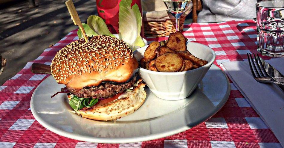 Hamburger French Restaurant Bestone