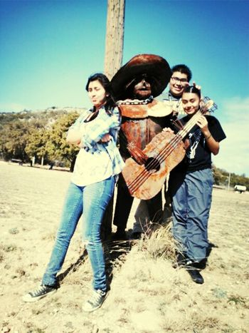 Yesenia, Chris n me chilling with da Mexican amigo lol :D