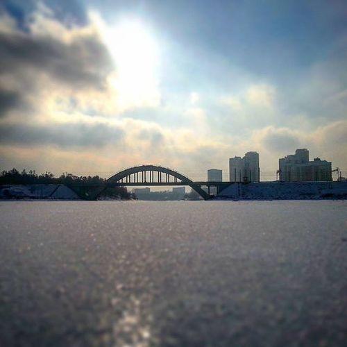 Всем ппиятных выходных. И будьте осторожны выходя на лед. мчс химки зима лед мост пейзаж тилтшифт нальду Экспозиция ясно облачно