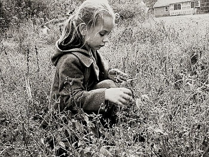 Childhood NatureBlack And White Close-up Grass Outdoors One Girl Only Fieldscape Feild Wooden House Childhoodunplugged MyGIRL B fresh mind Fresh Thoughts SlowDown EyeEm Selects Lost In The Landscape