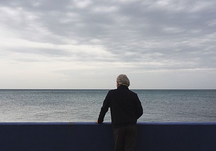 Horizon Over Water One Person Day Outdoors Photography Clicknew Art Arte Streetphotography