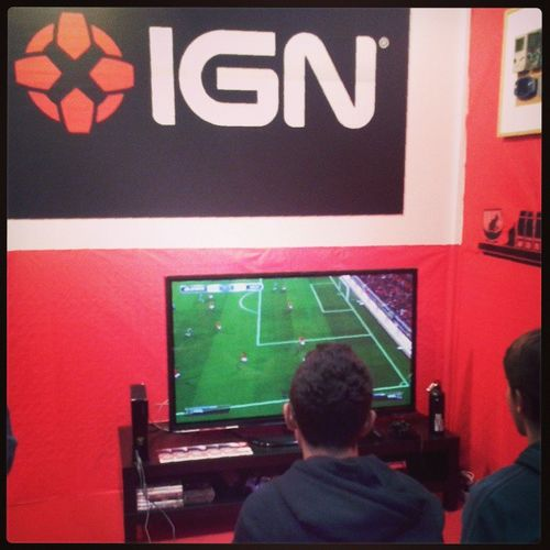 Lo STAND di IGN alla Gamesweek Instalate igersmilano videogame nerd red Fair
