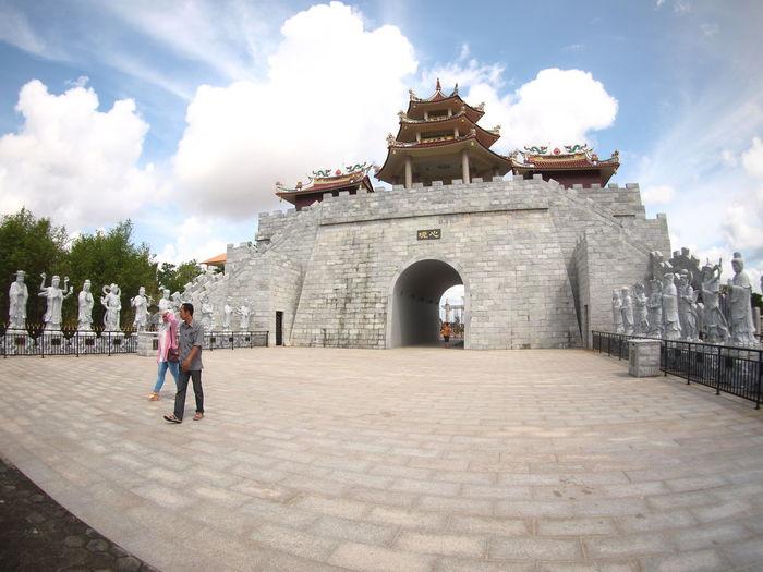 Ksitigarbha Bodhisattva Vihara Temple History Leisure Activity Lifestyles Outdoors Sky The Past Travel Destinations Vihara