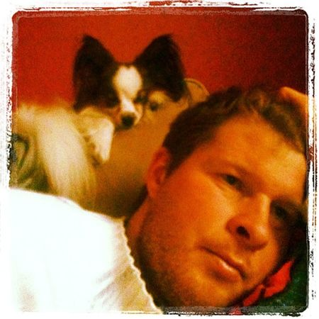 Me and Stiff having some Relax time. Follower instagram iphone3gs iphone sverige skåne swe Staffanstorp dog tired jj sleepy tv