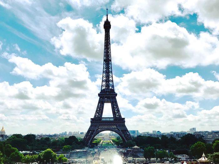 Catching an eyeful of the Eiffel. Eiffel Tower Citybreak Paris Sky Architecture Built Structure Cloud - Sky Tower History Travel Destinations Tourism Travel City First Eyeem Photo