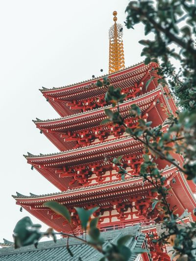 The five-story pagoda of Sensōji in Asakusa,Tokyo. . #onlyinjapan #pagoda #asakusa #instadaily #instatravel #instajapan #majestic #塔 #写真好きな人と繋がりたい #ファインダー越しの私の世界 #インスタ映え #travelblog #traveldiary #visitjapanjp #ilovejapan #beautifuldestinations #東京 #travelgram #wanderlust #travelphotography #passportready #instago #sugoi #igtravel #tourist #writetotravel #日本 #landoftherisingsun #jokohdroxas #buddism Pagoda Architecture Ancient Civilization Asian Culture Tree Christmas Decoration Christmas Market Fir Tree Christmas Christmas Ornament Branch Red christmas tree Celebration Building Tall Exterior Urban Scene Historic Building Exterior