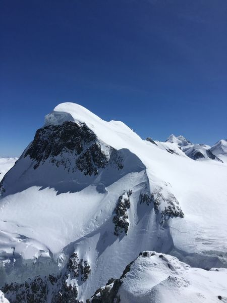 Showcase April Skiing 🎿 Matterhorn Glacier Paradise Snow ❄
