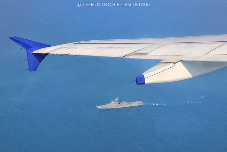 Airplane intersecting a ship Blue Water Airplane Travel High Angle View Ship Airplanewindow Airplanewindowoftheweek Windowseat Windowseatphotography Ocean Aerial View Aeroplane Wing Battleship Sky Photooftheday Picoftheday Myview Mydiscretevision EyeEm Best Shots EyeEmNewHere EyeEm Canon